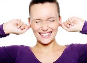 Чому вуха сверблять всередині і чим лікувати свербіж в них