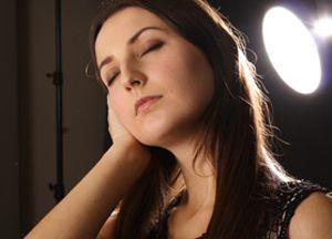 Чому закладає вуха при вагітності: причини неприємного симптому